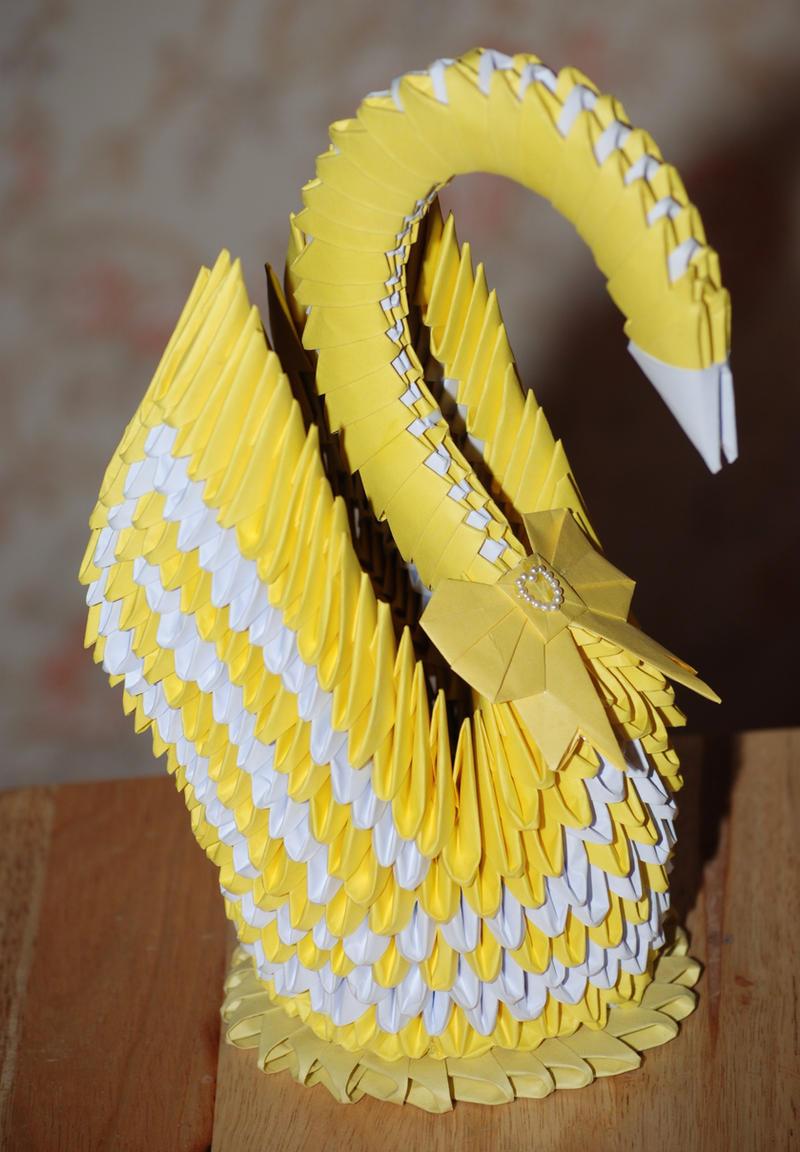 Origami 3D Golden Swan by HoneyBee249