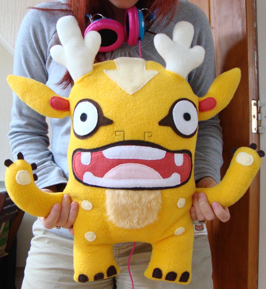 Gordy Plush by creaturekebab