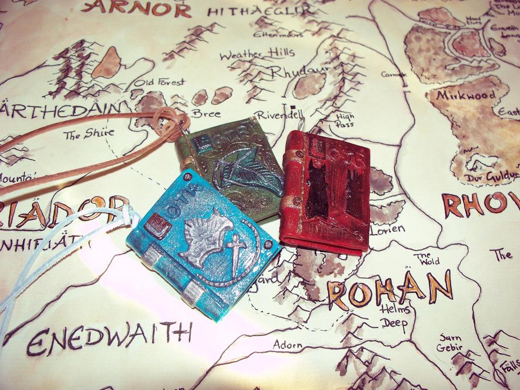 LOTR book pendants. by soophieO