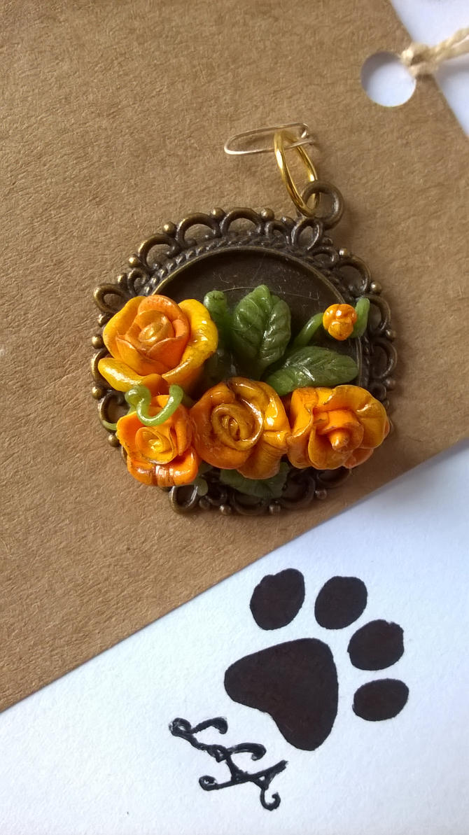 Golden Roses Pendant by soophieO