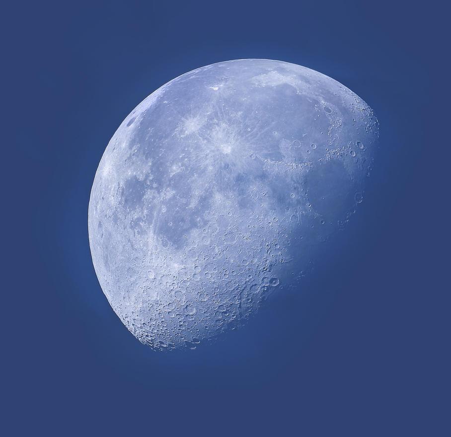 Daytime Moon By Justv23 On Deviantart