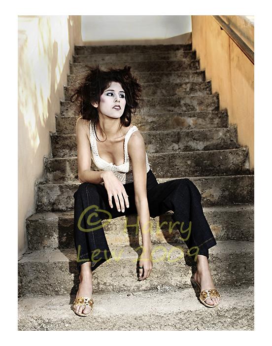 http://fc04.deviantart.com/fs42/f/2009/108/4/1/Giesha_Jeans_by_Viva_Glam.jpg