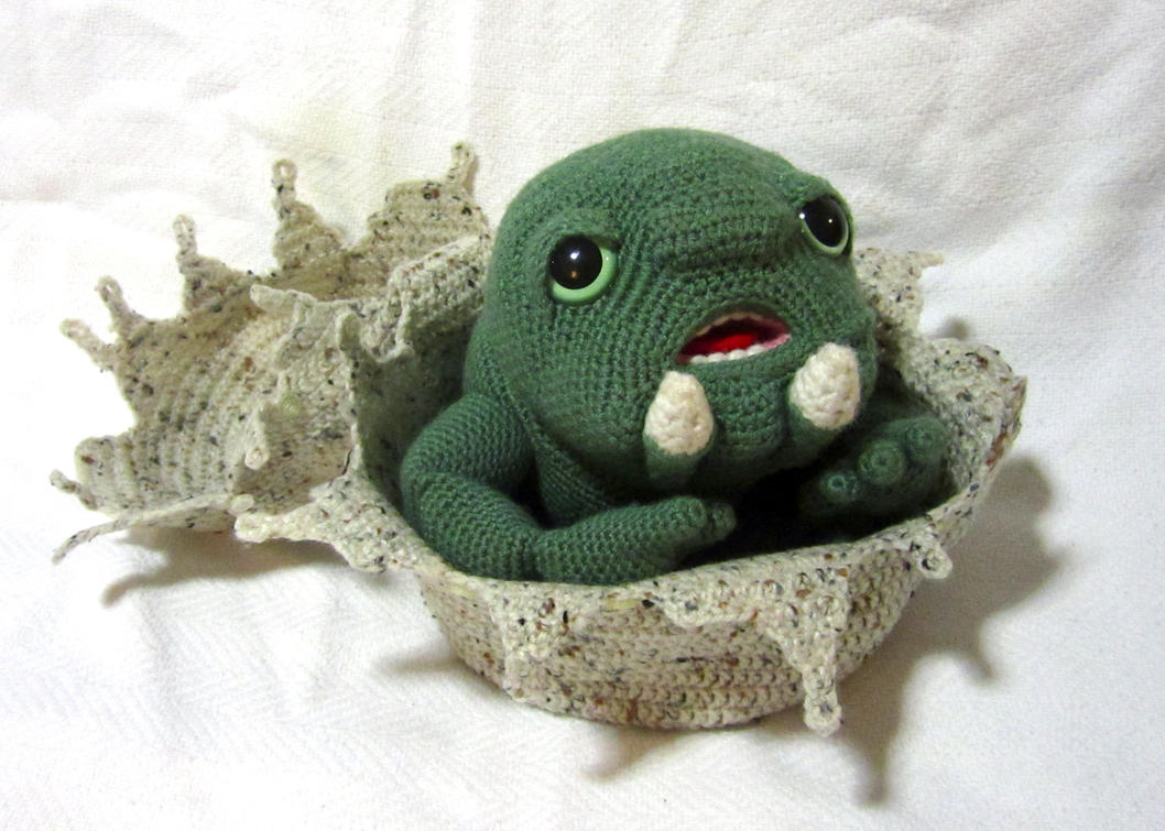 Baby Thark Amigurumi with Egg by Dragonrose36