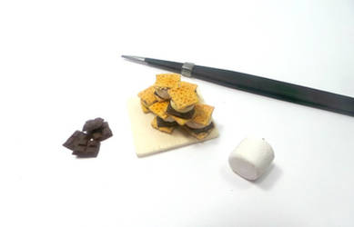 Miniature 1:12 Scale S'mores by dollvillecreations