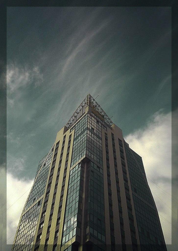 Saint-P Skyscrap by Deniszizen