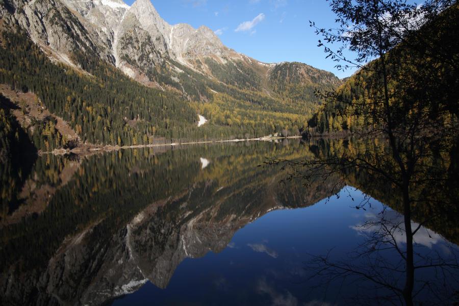 Lake by cartim