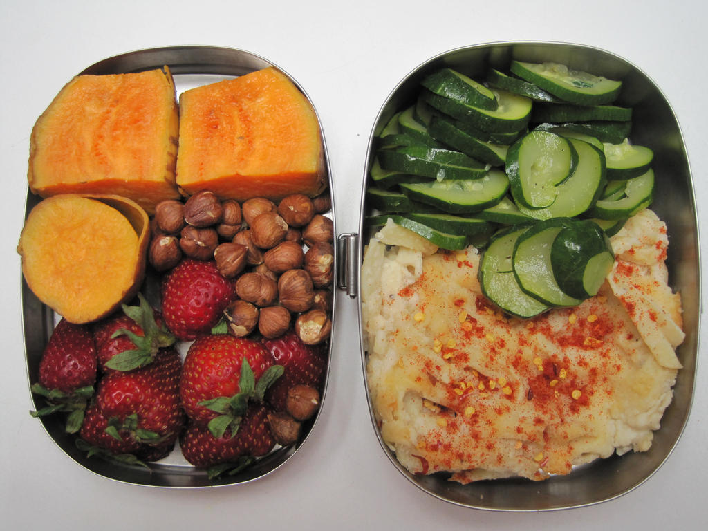 Bento with Strawberries and Hazelnuts by pradlee