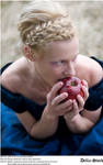 Snow White Likes Apples