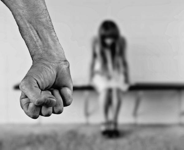 Tema-sulla-violenza-sulle-donne-tutte-le-tracce-sv by Blue-marin