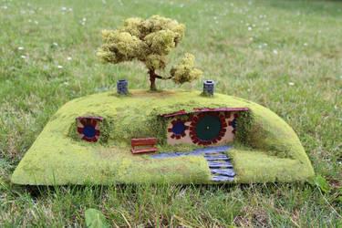 Hobbit Hole Miniature by FlyingJason