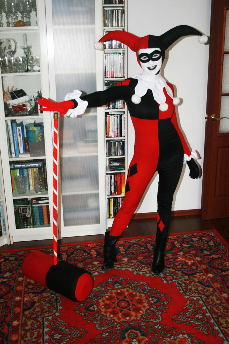 Sasha cosplaying Harley Quinn by dmitry-medic
