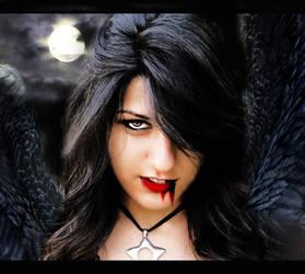 The vampire girl. by reyhanirem