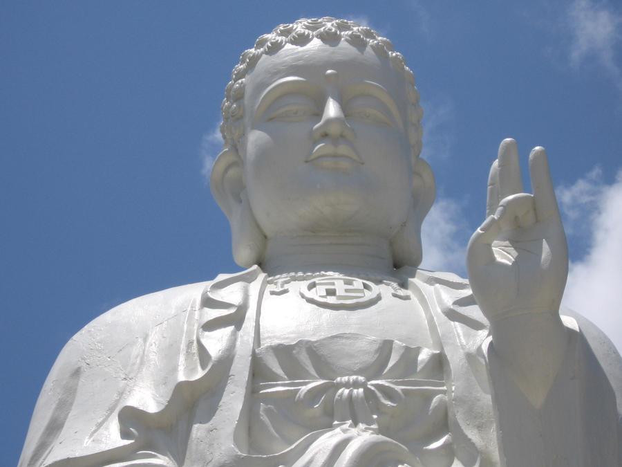 Lihn Son Temple