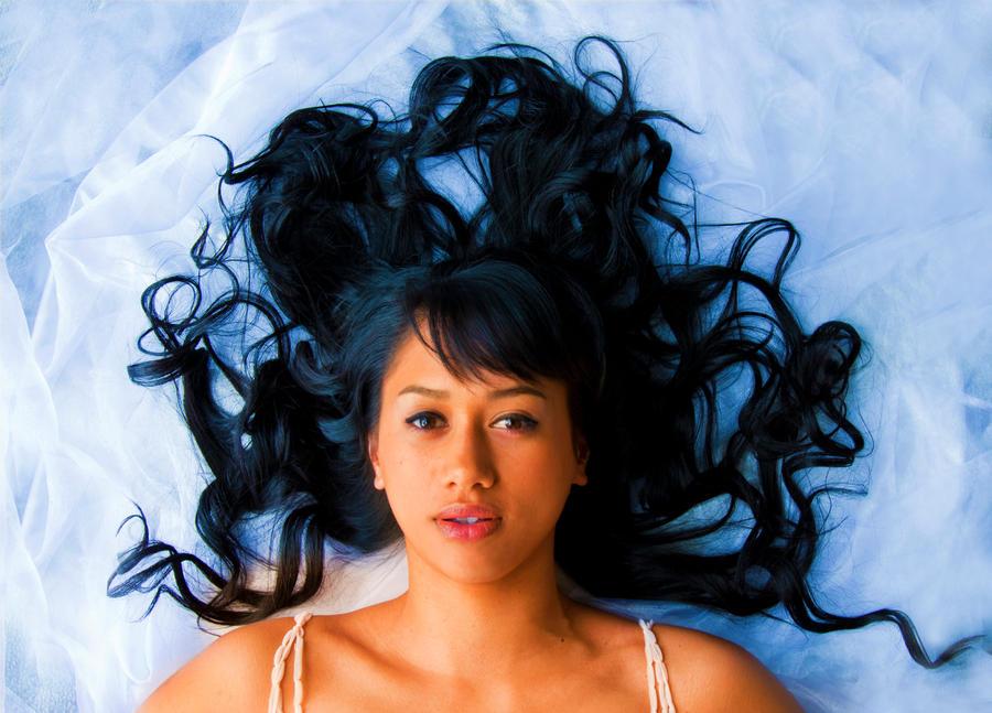 Flyaway hair 4