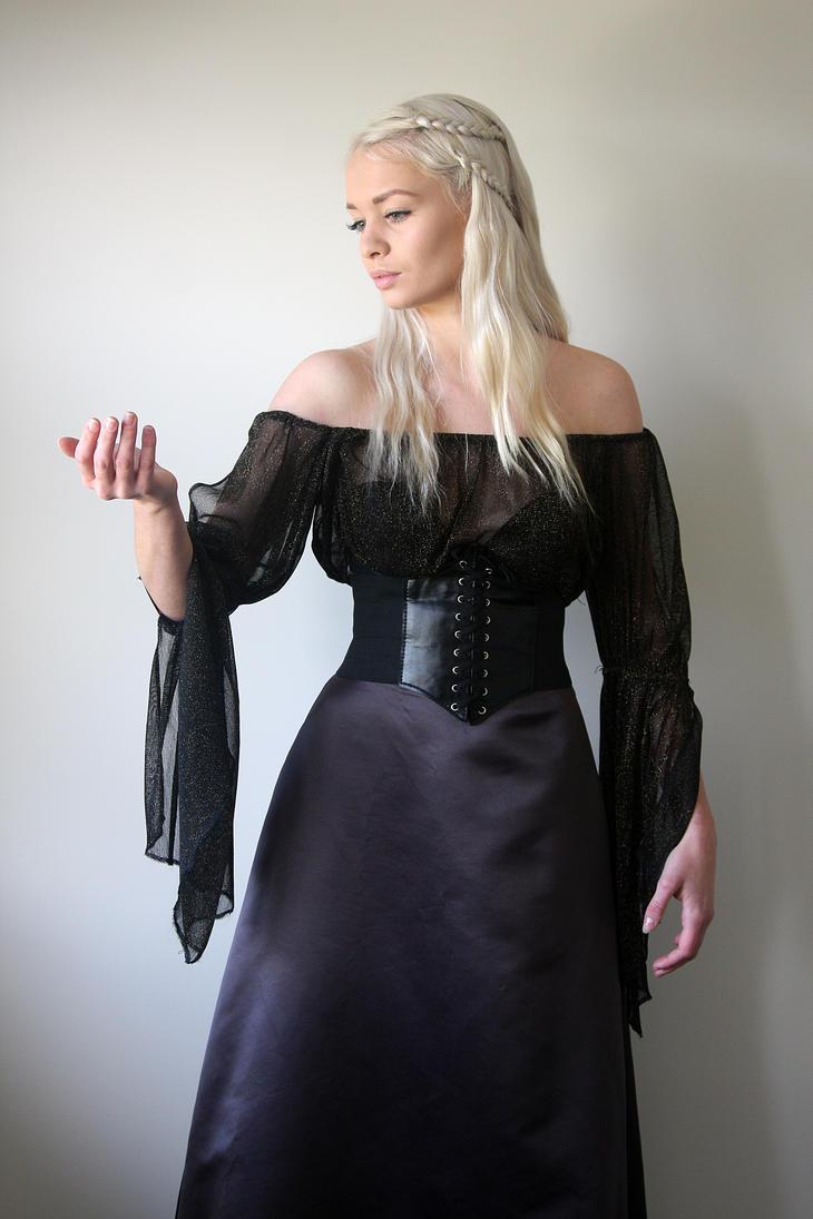 Khaleesi 3 by CathleenTarawhiti