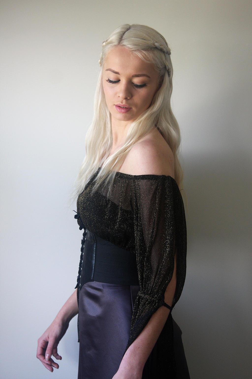 Khaleesi 9 by CathleenTarawhiti