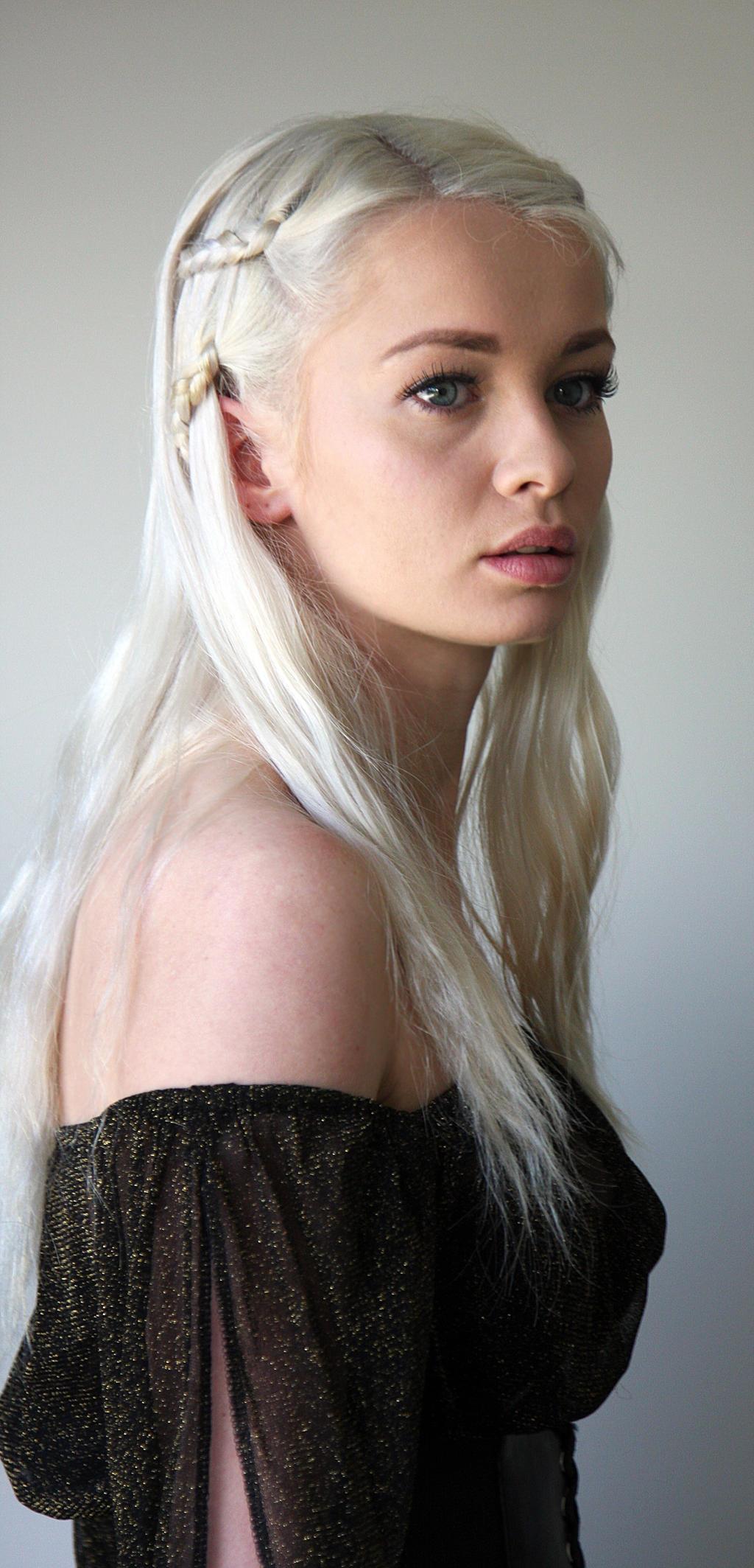 Khaleesi 10