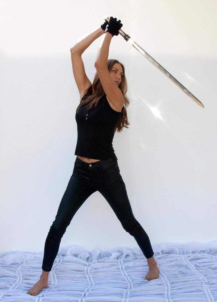 Action pose - woman 14 by CathleenTarawhiti on DeviantArt