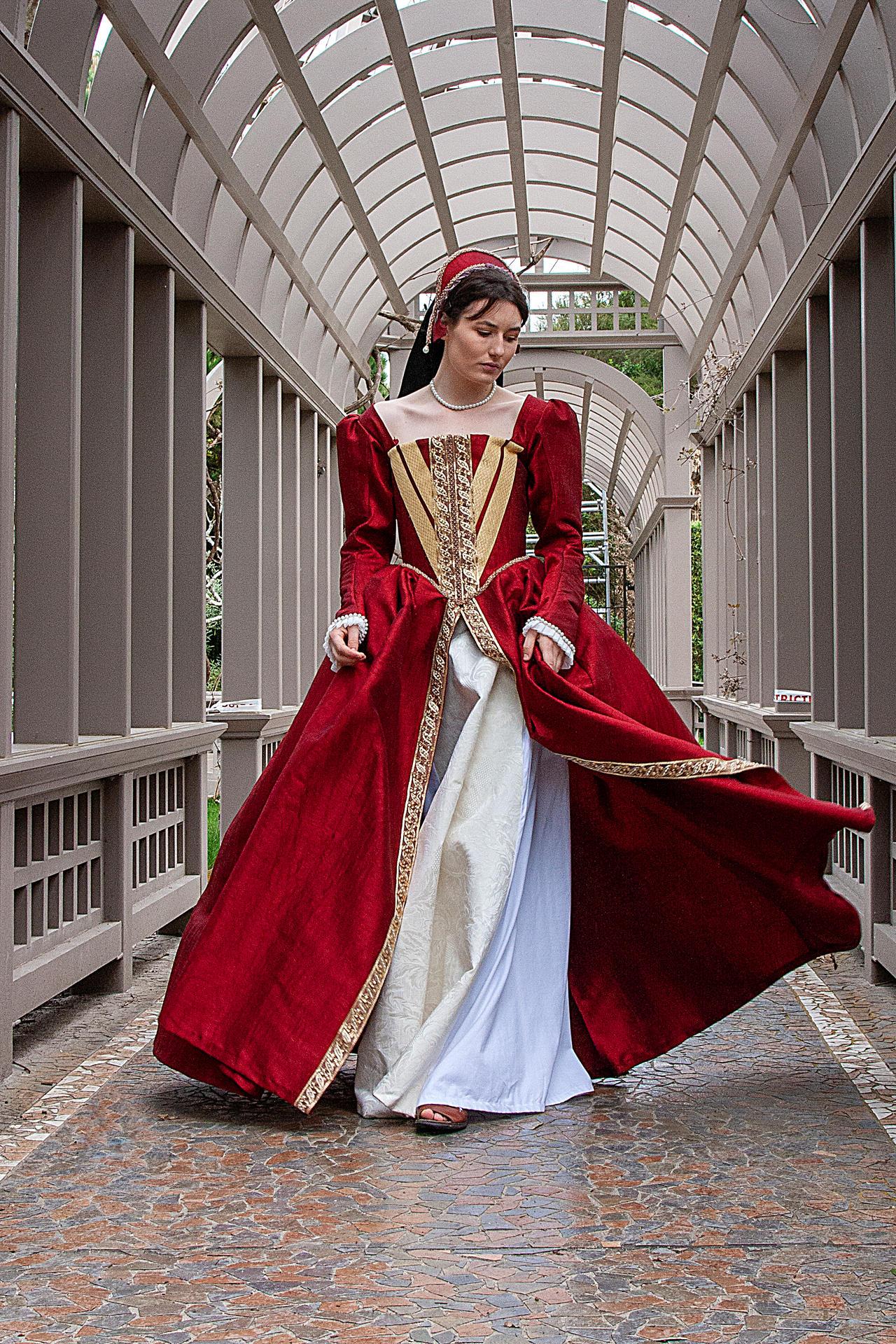 Tudor costume stock 3