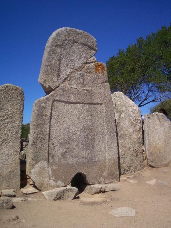 Tomba di Giganti, Li Loghi by supremetechgoddess