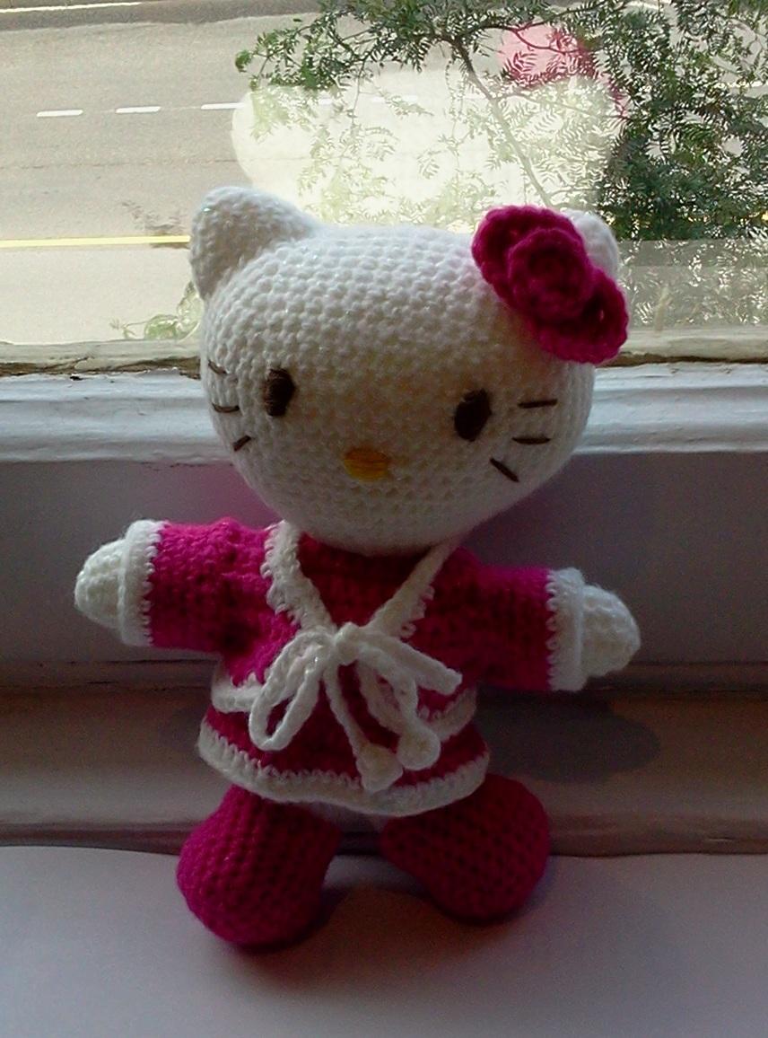 Hello Kitty Amigurumi Ohje Suomeksi : Amigurumi Hello Kitty by Dima402 on deviantART