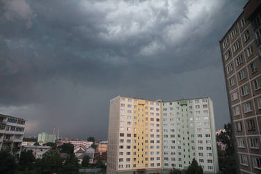 Dark sky by jufe