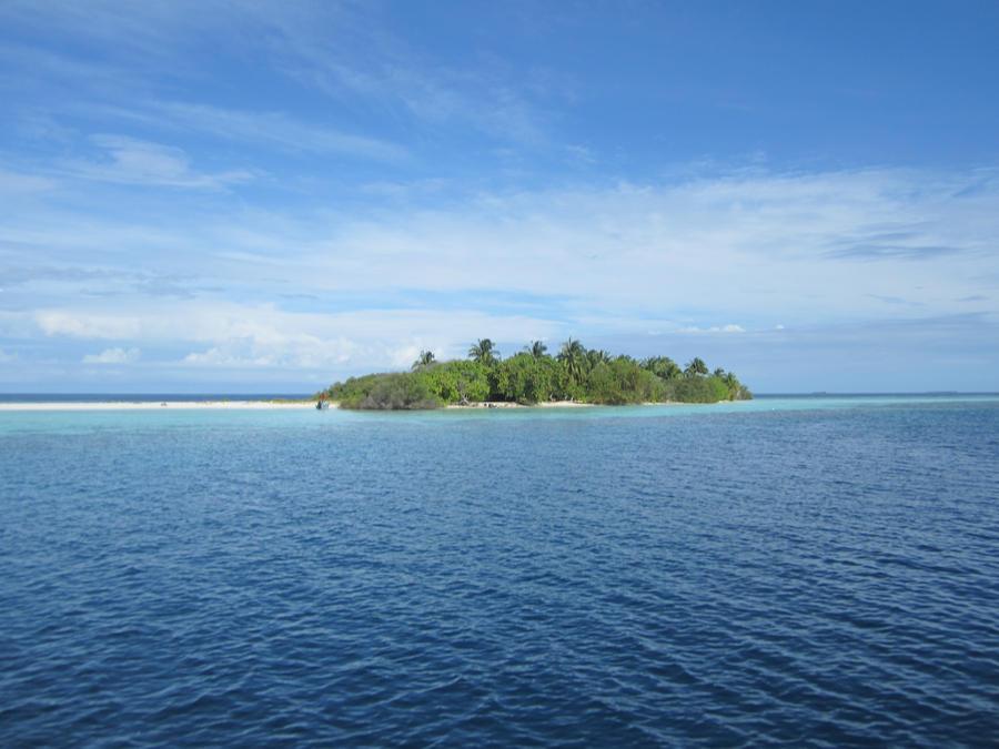 Unhinabited island by Kooskia