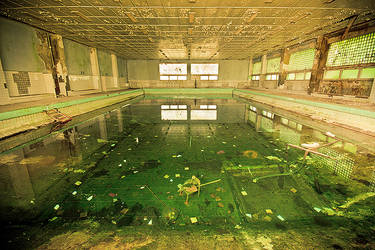 Swimming pool by mjagiellicz