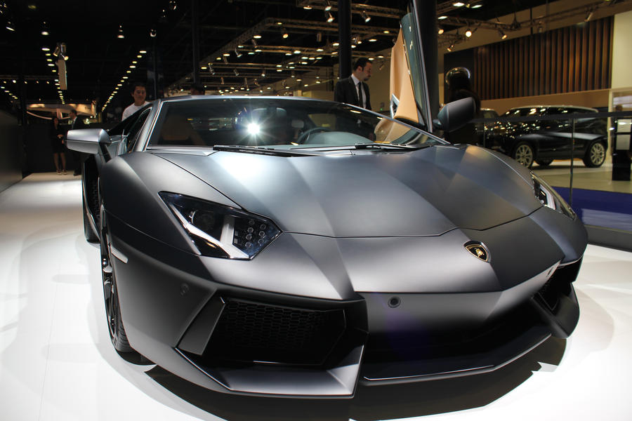 Lamborghini aventador grey wallpaper