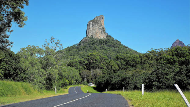 Mount Coonowrin 1