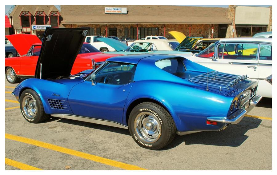 A Cool Blue Corvette by TheMan268
