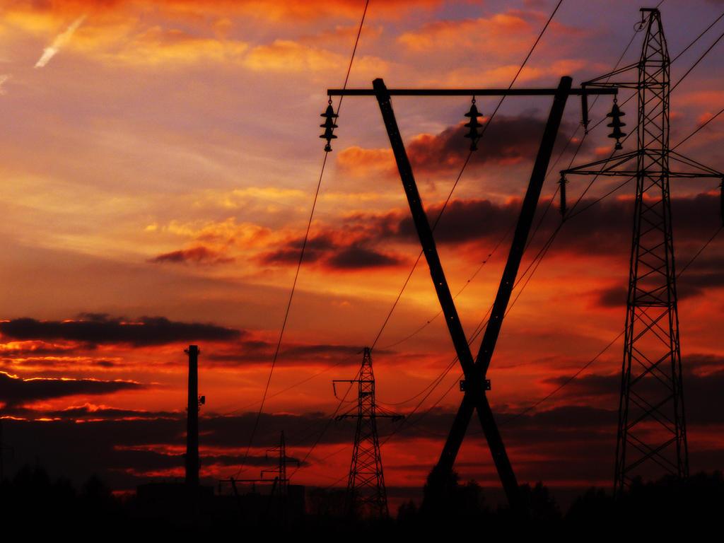 Electric sunset by Saari89