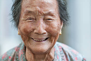 Shooting Elderly Portraits for a Cause