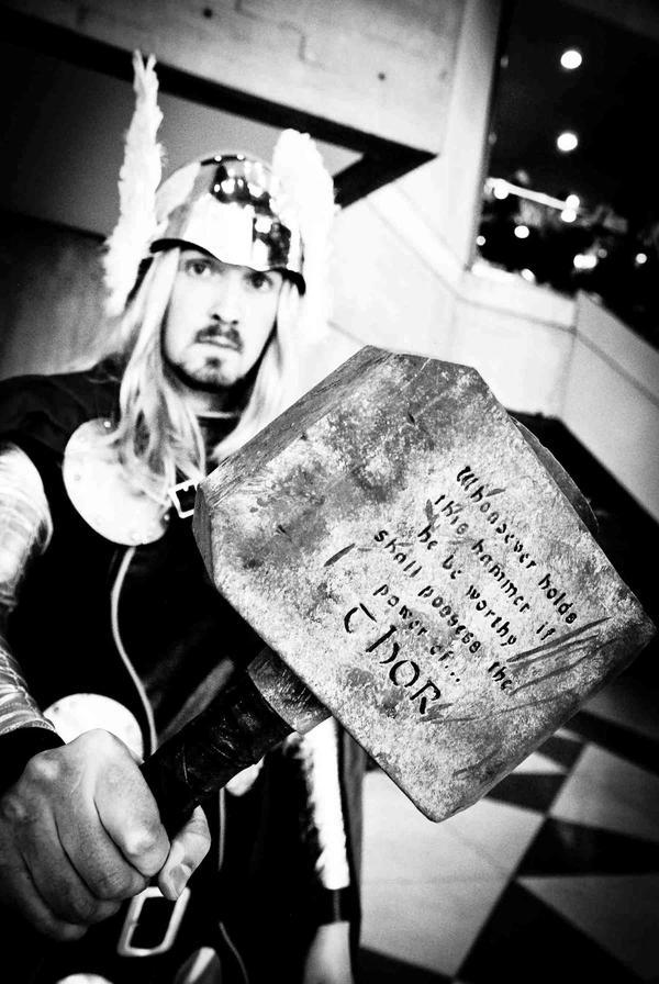 Thor black and white by lovingthor on deviantART