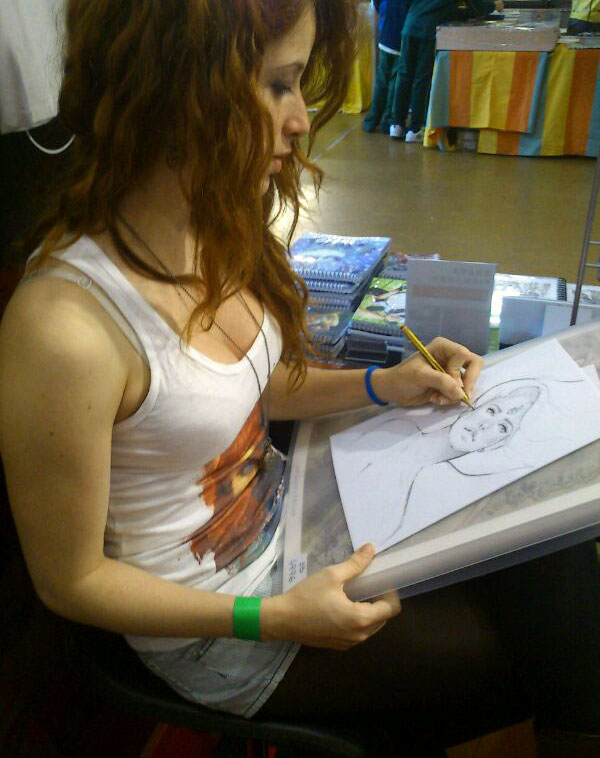 Marta Nael dibujando by ediciones-babylon
