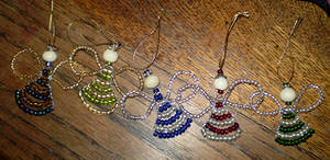 Beaded angel ornaments by enkelikitten