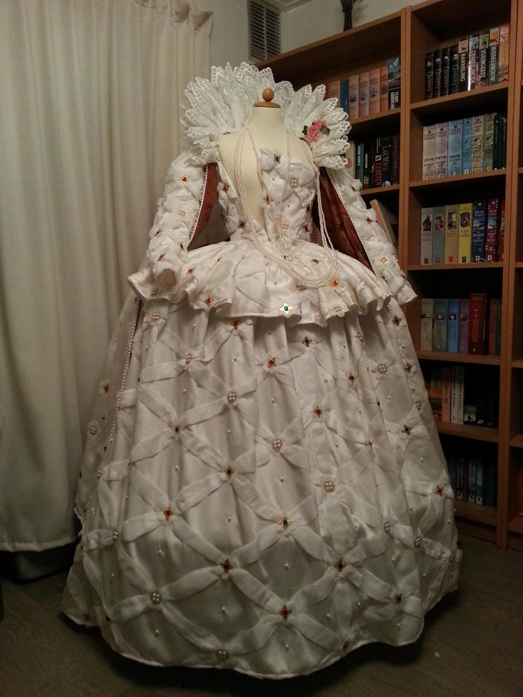 Queen Elizabeth Dress Portrait queen elizabeth iQueen Elizabeth 1 Artifacts