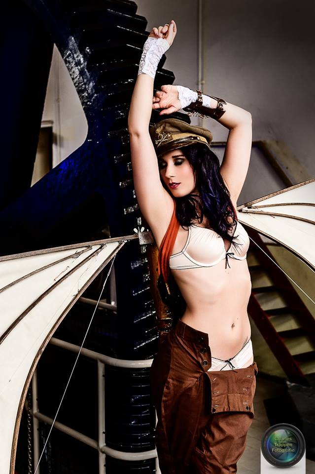 The Aviator - Steampunk glamour by Firefly182