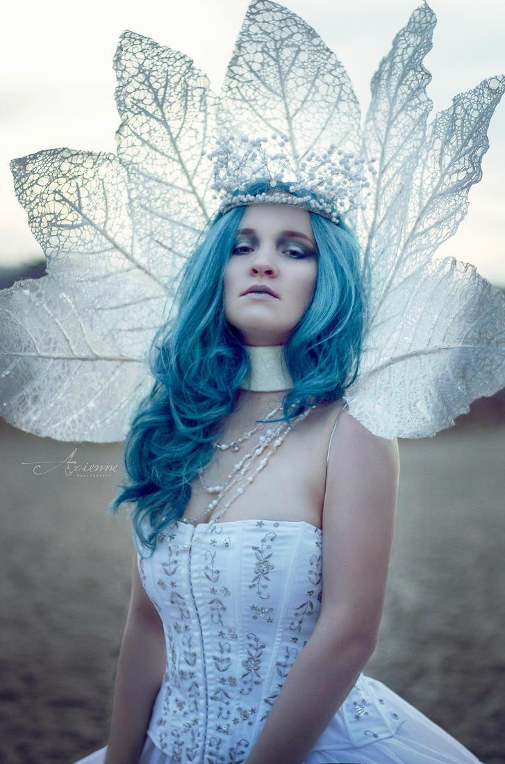 Winter queen by Firefly182