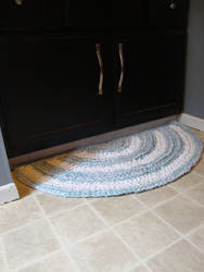 Crocheting a Half Circle Rag Rug Tutorial