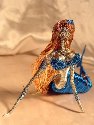 Turquiose Mermaid in Wire by reynaldomolinawire