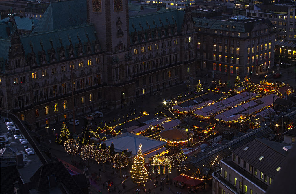 Hamburg Christmas market by ineos