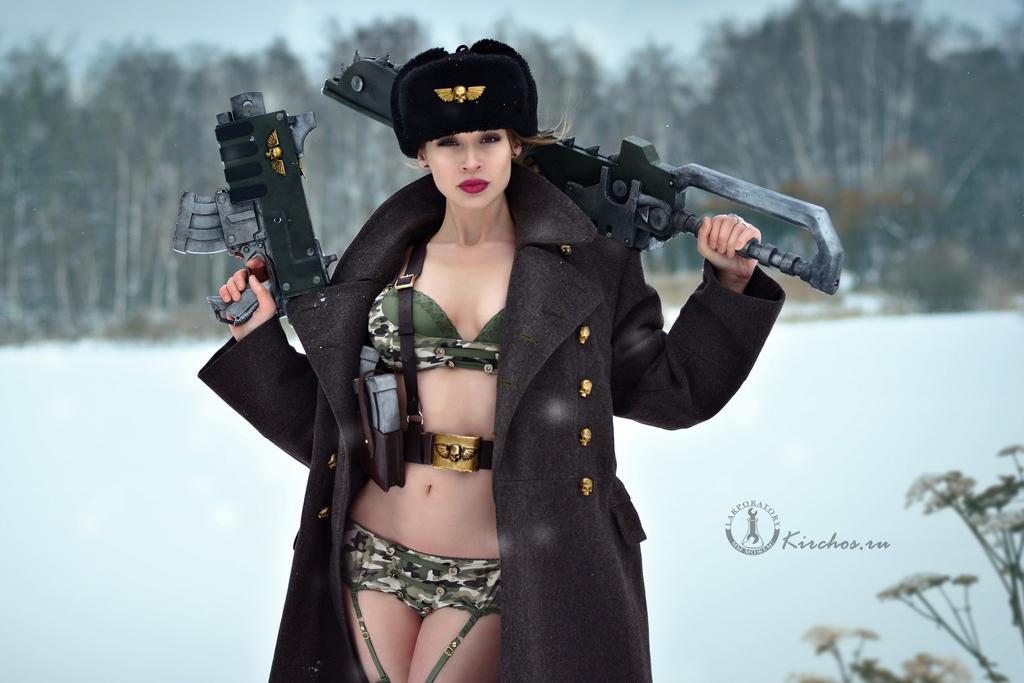 [Warhammer 40,000] La Garde Impériale a de la gueule et pas que !!! Warhammer_40k_imperial_girl_by_kirchos-d8ntpod