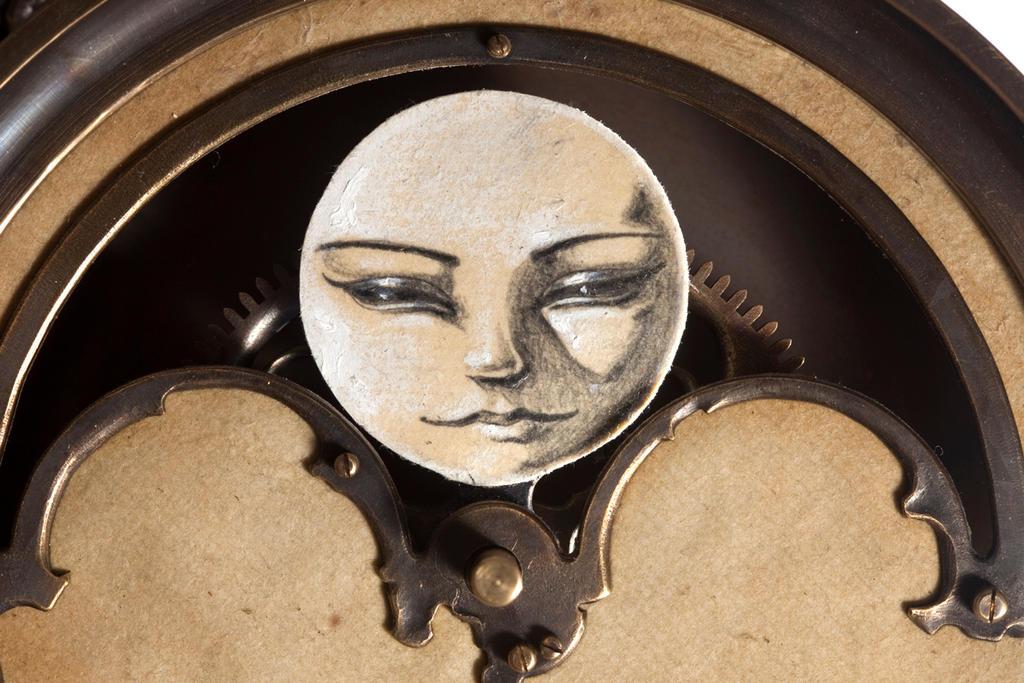 Paper Moon detail by ericfreitas