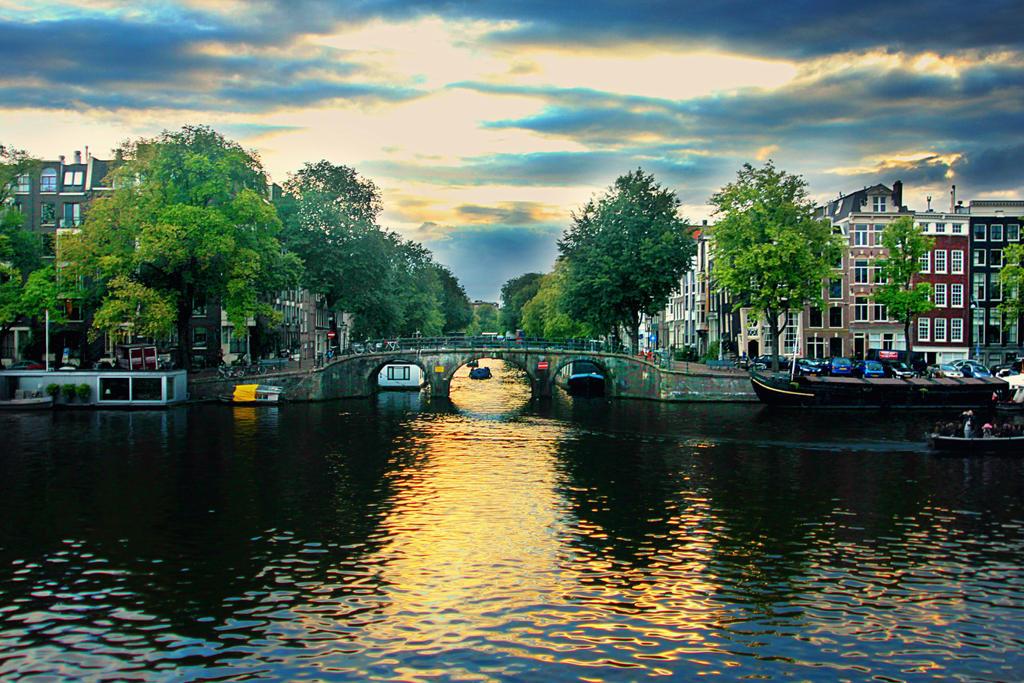Amsterdam blue by Shadoisk