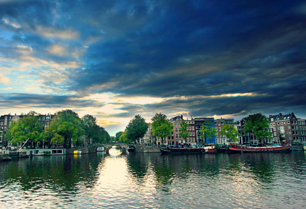 Amsterdam blue ll by Shadoisk