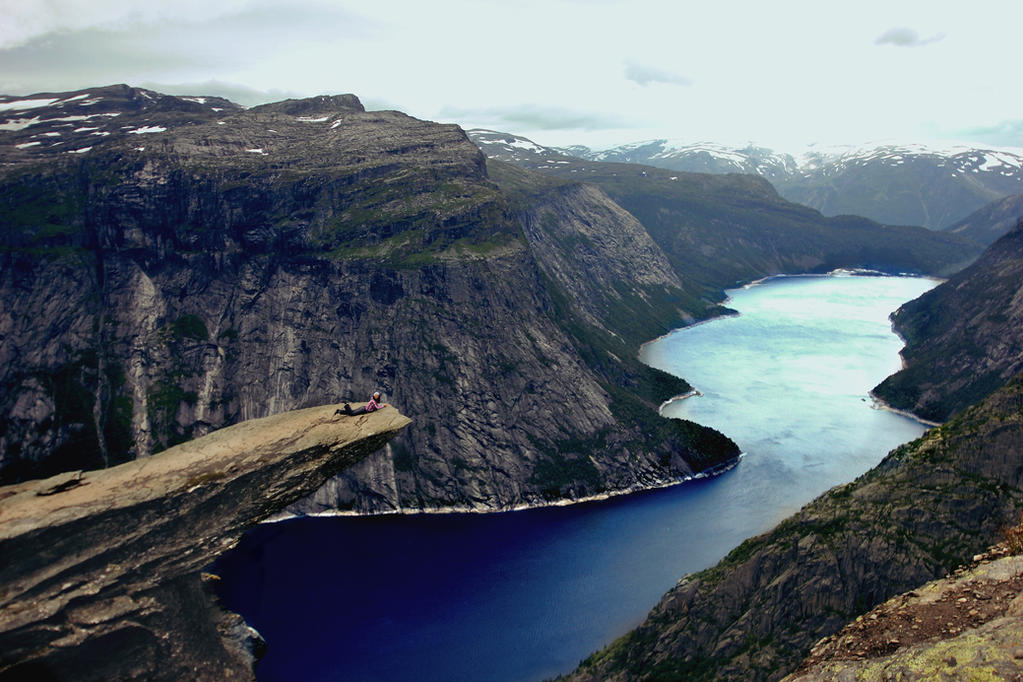 Trolltunga by Shadoisk