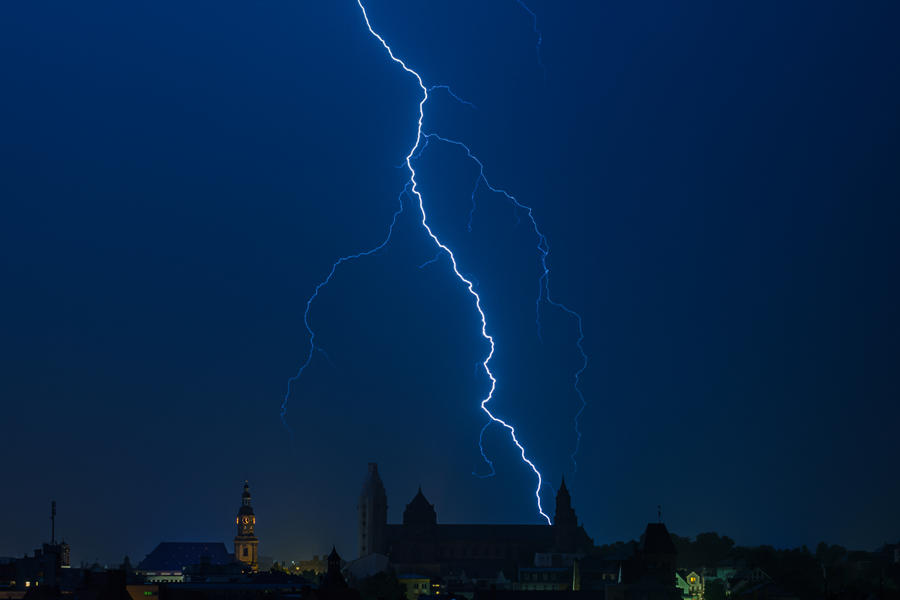 Lightning by MarcBraner