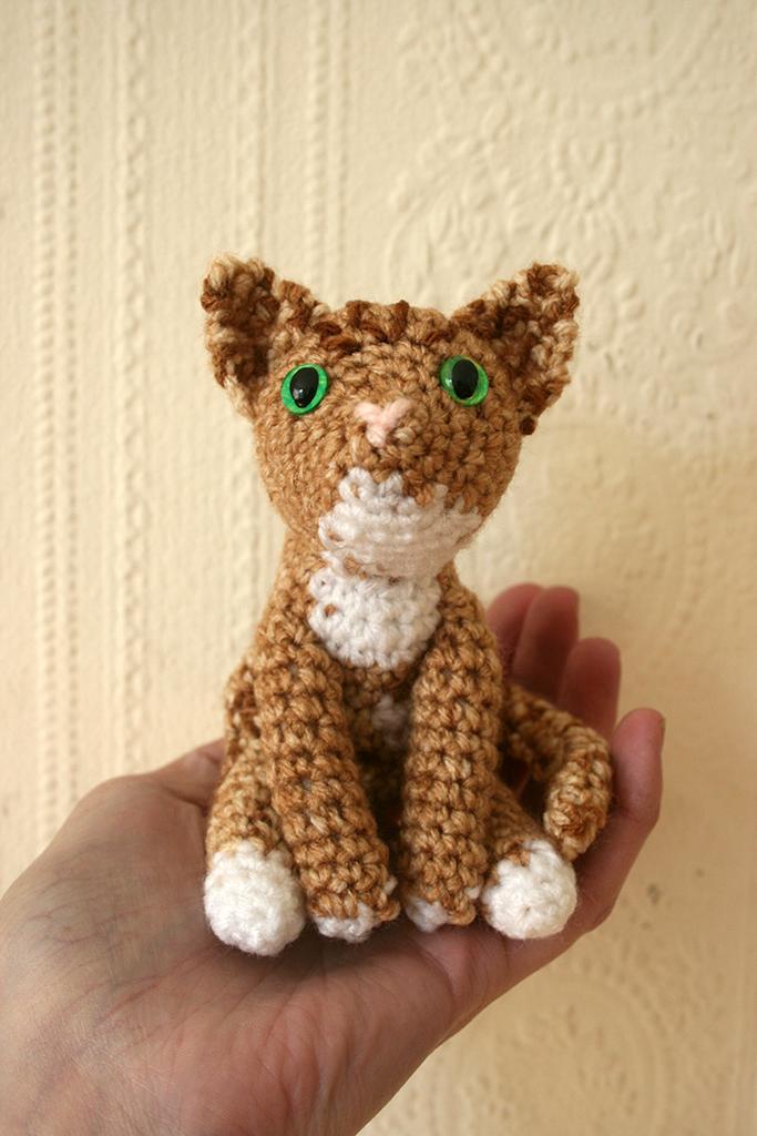 Amigurumi Tabby Cat : Champagne tabby cat amigurumi by Soggy-Wolfie on deviantART