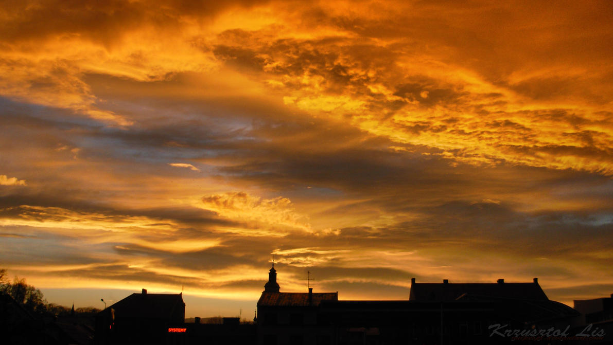 Fiery sunset over Zywiec. by VulpesPL